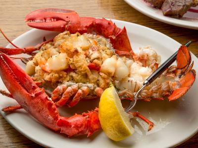 Maine Lobster Delivered Fresh | Lobster Trap: Live Lobster